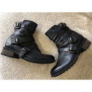 UGG Finney Black Leather Moto Size 7.5